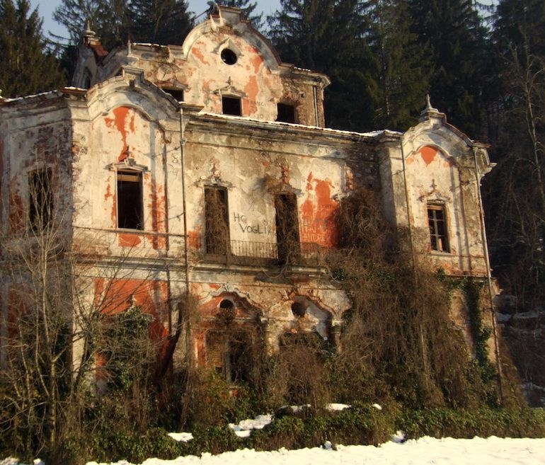 8 Most Haunted Places In Italy